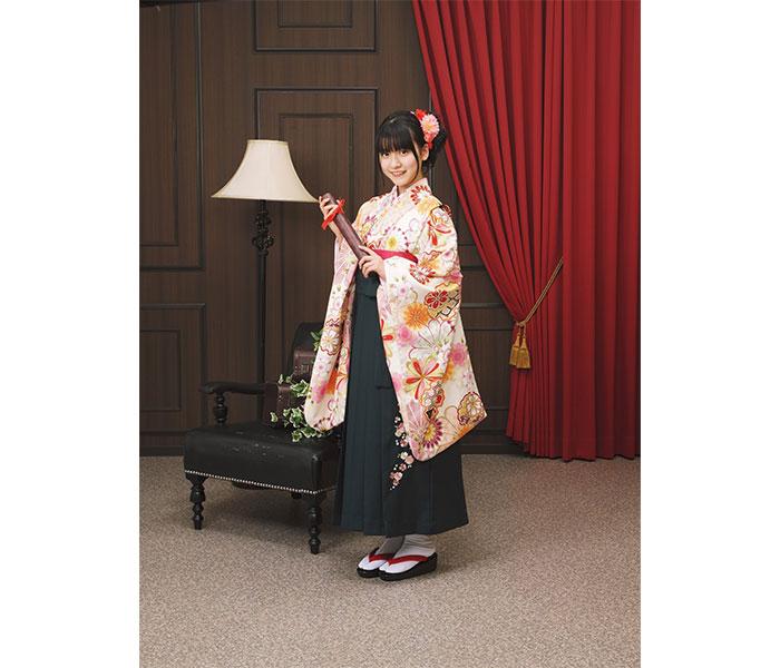 SKE48最年少の林美澪が小学校卒業 袴姿のポートレートも公開「中学生になっても、SKEと学業の両立を頑張ります
