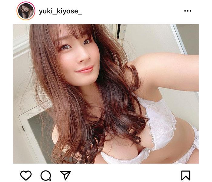清瀬汐希、透明感際立つ白ランジェリーを披露!「視線にドキドキです!」
