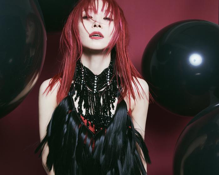 LiSA、松本孝弘、北川悠仁らがプロデュースする豪華アルバムが5月リリース決定!