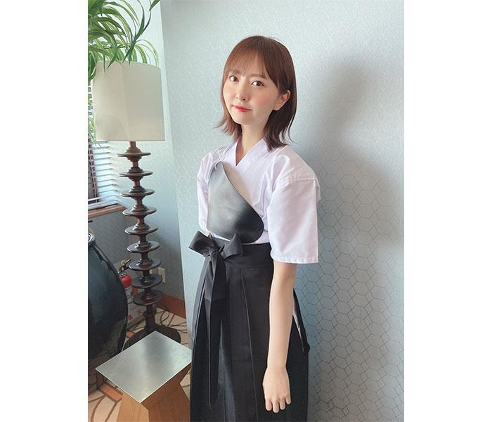 HKT48 森保まどか、心臓を射抜かれる凛々しい弓道着ショット公開