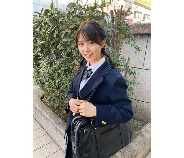 ミス青学準GP・新田さちかが制服姿を披露!「こんな可愛い高校生いたら毎日登校する」