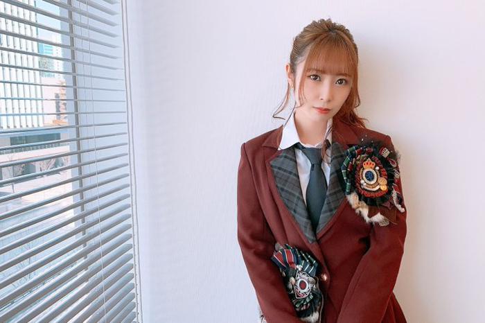 SKE48 高柳明音、9年前の『片想いFinally』MV衣装を披露!当時を想起させる写真に歓喜の声!