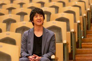 藤巻亮太が、全国の高校生と卒業ソング『3月9日』をリモート合唱! 「音の VR」内で3月9日に配信決定!