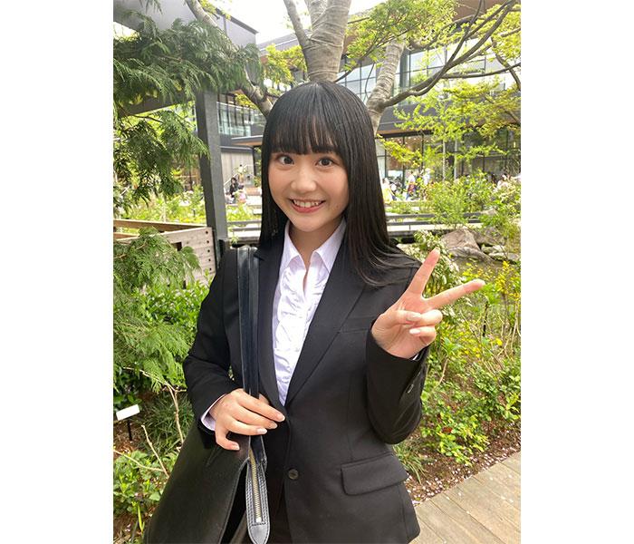 スパガ 阿部夢梨が大学入学を報告!スーツ姿に祝福殺到!!