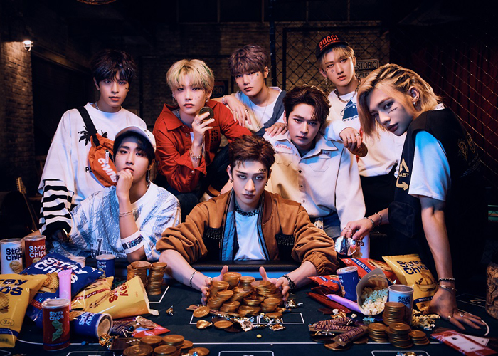 Stray Kids、初のコラボカフェが決定!東京・大阪・名古屋・福岡の4都市5会場にて期間限定オープン!