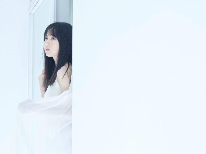 """乃木坂46 賀喜遥香、""""純白""""な美麗グラビアが先行公開"""