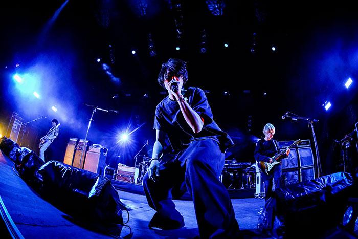 【ライブレポート】[Alexandros]、新曲「閃光」で酔いしれる最高のライブを披露<JAPAN JAM 2021>