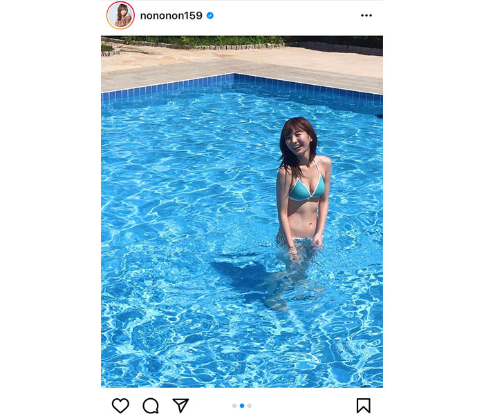 ほのか、プールで魅せる腹筋割れの美スタイル!