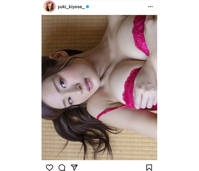 清瀬汐希、素肌に映える赤ランジェリー