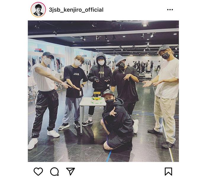 三代目JSB 山下健二郎の誕生日をメンバーがお祝い!「全力で人生楽しみたい」