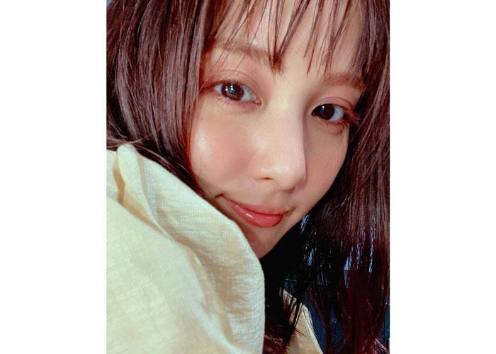 石川恋、濡れ髪にピンクメイクのドアップSHOTにくぎづけ「ステキすぎる♪」の声