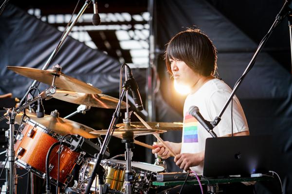 【ライブレポート】KANA-BOON、『シルエット』『バトンロード』熱唱の全肯定ライブ<JAPAN JAM 2021>