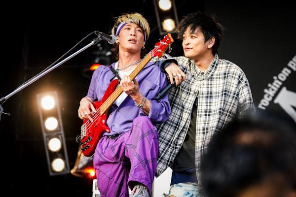 【ライブレポート】THE ORAL CIGARETTES、唯一無二のBKW!!(番狂わせ)ライブでロック魂を魅せる!<JAPAN JAM 2021>