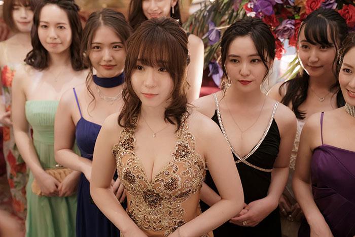 人気コスプレイヤー・伊織もえ、キャバ嬢役で映画『東京リベンジャーズ』に出演!