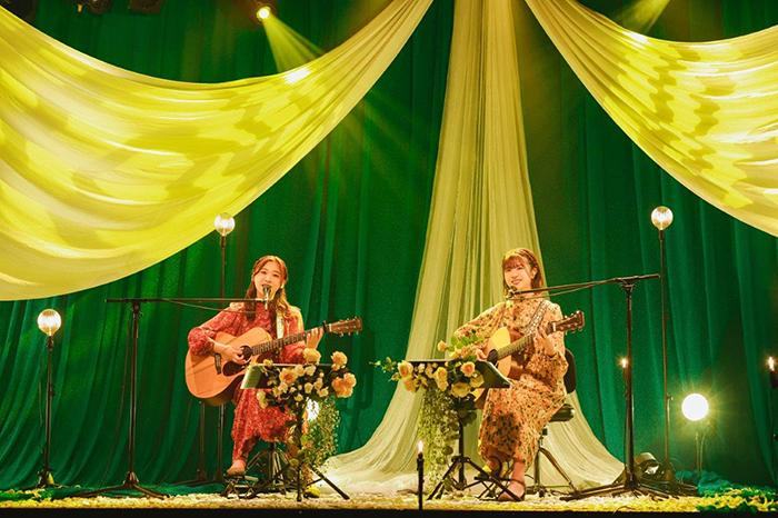 富田鈴花&松田好花(日向坂46)によるギター弾き語りライブをMTVで放送!