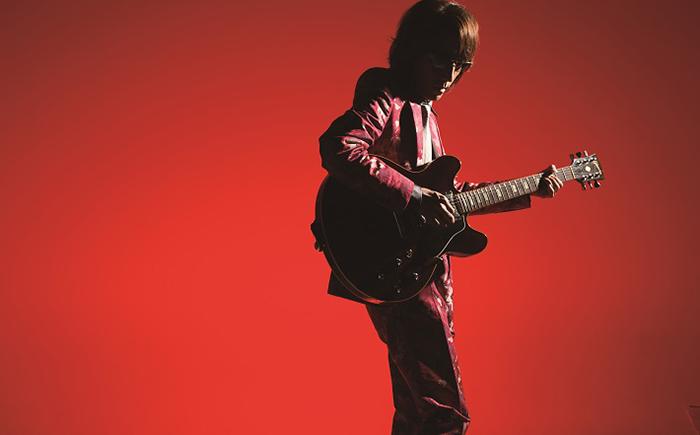 デビュー40周年を迎える角松敏生の、周年恒例ライブの模様をWOWOWで独占放送・配信!