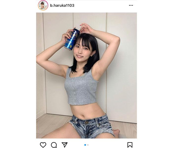 """坂東遥、ヘソ出し""""おうちグラビア""""で魅せる健康美"""