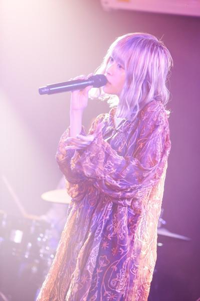 藤川千愛、ライブへの喜びと新たな決意を込めた配信ライブ開催
