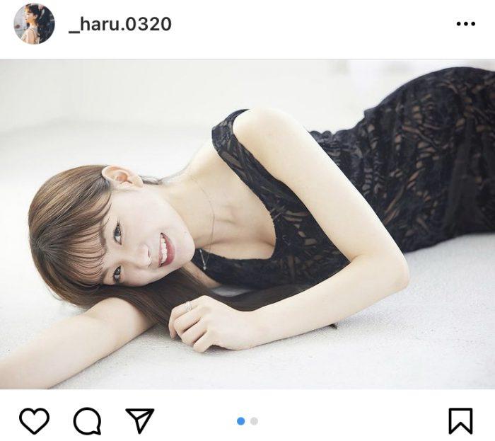 吉澤遥奈、黒ドレスで微笑む大人ポートレートに反響ぞくぞく