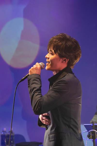 新浜レオン、初のブルーノート東京ゲスト出演!!「人生初の洋楽歌唱!新たな扉を開けました...!!」
