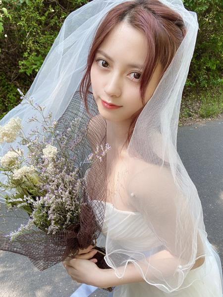 桃月なしこ、ウェディングドレス姿のオフショットにファン歓喜!「なしこちゃん美しすぎるて」