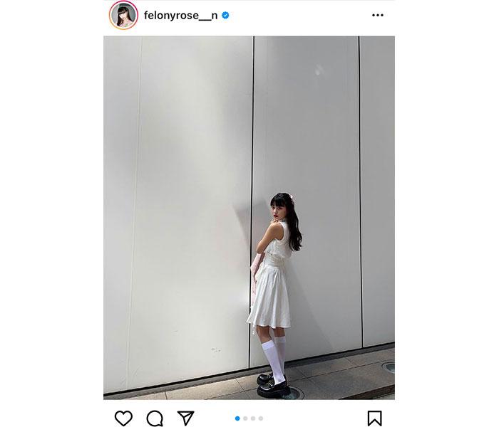 鶴嶋乃愛、黒髪が映える純白コーデに「可愛い」とファン大絶賛