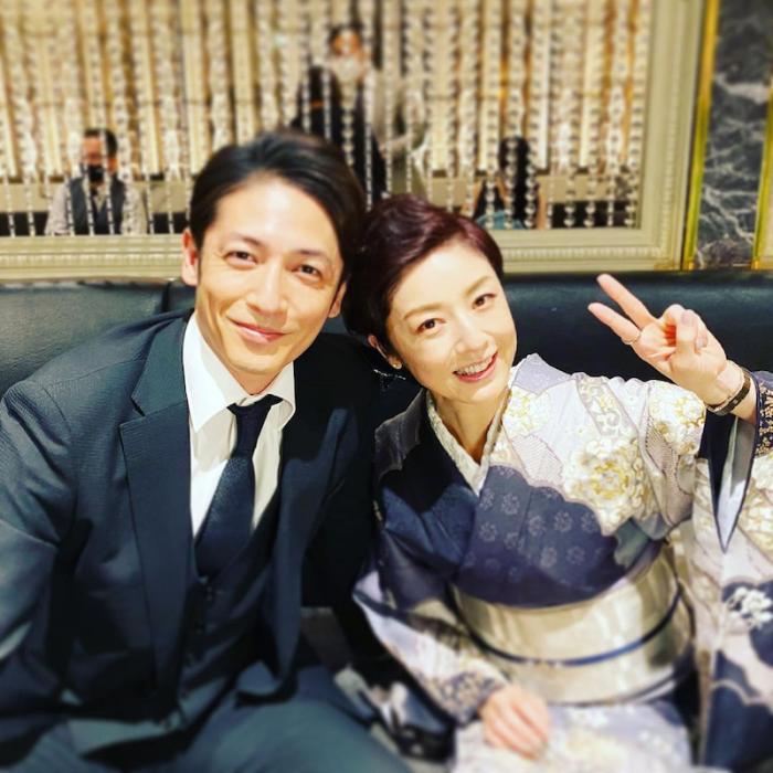 高岡早紀、玉木宏と寄り添う2ショット公開「素敵な俳優さんでした!」