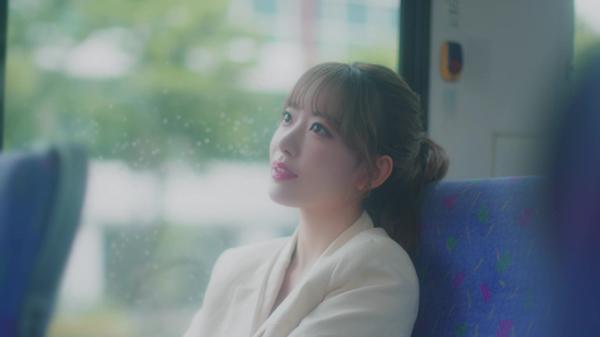 宮脇咲良、HKT48卒業ソング『思い出にするにはまだ早すぎる』のMV Short ver. が公開決定