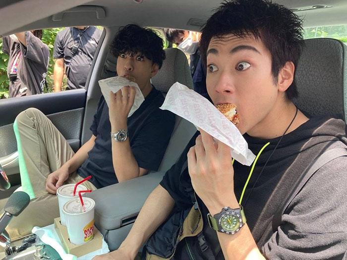 山田裕貴が三浦翔平との楽しそうな『ハコヅメ』撮影オフショット公開!「2人揃ってまつ毛長!!!!!!」と歓喜の声
