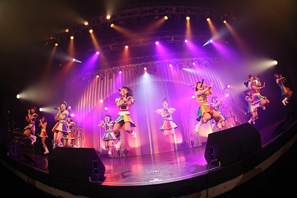 虹のコンキスタドール、1年半ぶりの夏ツアースタート!結成7年目のライブはアニバーサリー感満載の内容!