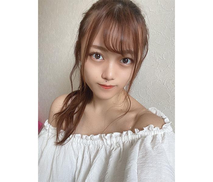 AKB48 春本ゆき、涼しげなオフショルで肩出し!「目のやり場にほんと困る」