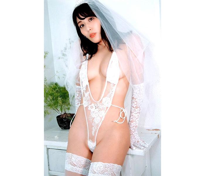 金子智美、限界露出で見せる「えちえち」花嫁ショットに悩殺
