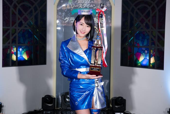 川瀬もえ、「日本レースクイーン大賞」新人部門でグランプリに!
