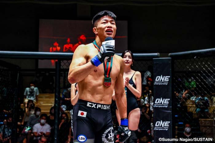 中村倫也、総合格闘技デビュー戦でKO勝利
