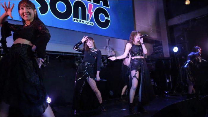 CANDY GO!GO!、熱狂的なサウンドで会場を沸かす!<GIGA・GIGA SONIC Powered by TSC>