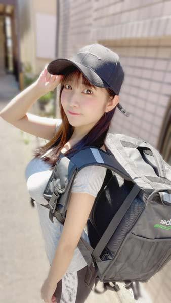 「#2i2(ニーニ)」天羽希純がウーバーイーツの配達員に!「オフなので副業いってきます」