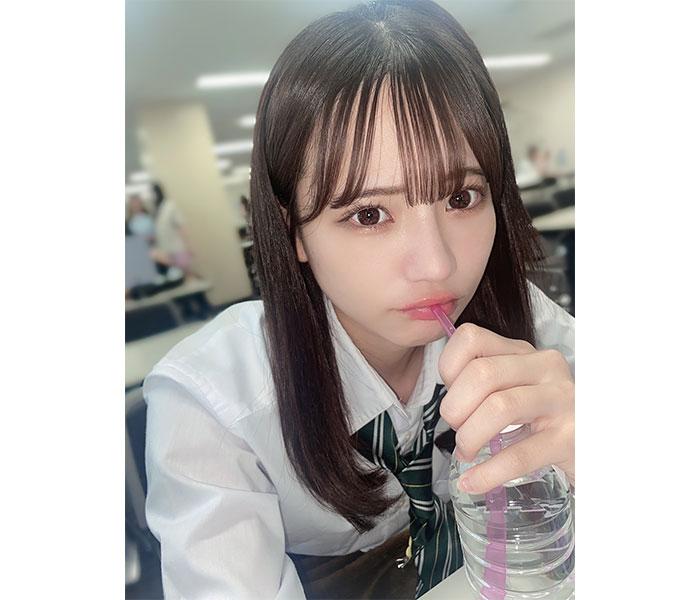 NMB48 和田海佑、制服姿で届ける青春シチュエーション!