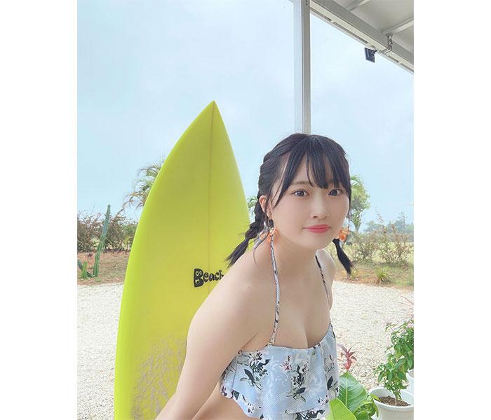 AKB48 山根涼羽、「幼馴染と海に来た」フォトストーリーを展開