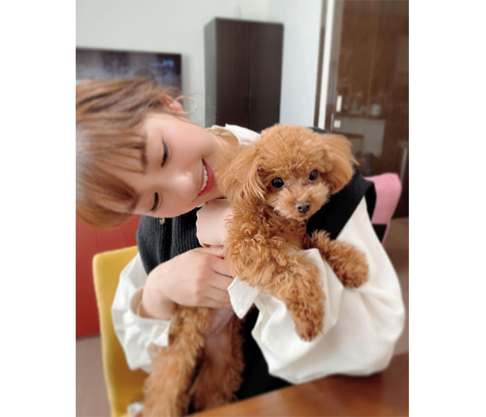 平祐奈、吉田沙保里の愛犬を抱っこした2ショットに「癒し効果抜群」とファン歓喜