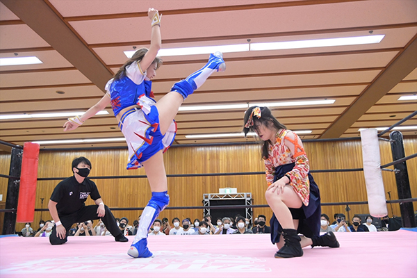SKE48荒井優希、地元愛知大会のメインイベント出場し渾身のフォール勝ち!