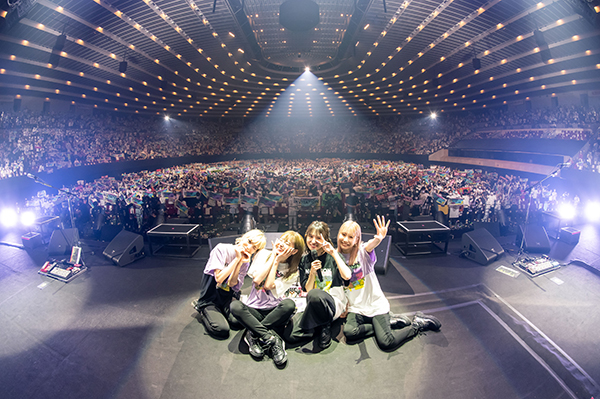 SCANDAL、ガールズバンド前人未到の15周年アリーナライブを聖地・大阪城ホールにて開催&世界生中継