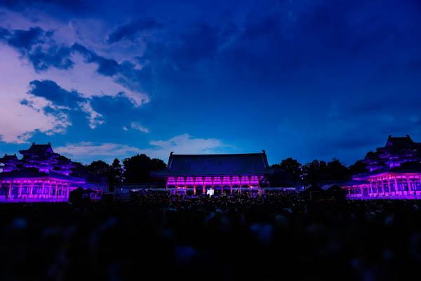 HYDE、夏の京都・平安神宮にてソロ活動20周年コンサートを開催!
