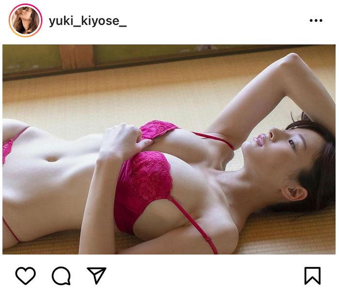 清瀬汐希、ふっくらバスト&腹筋割れ美ボディを披露!