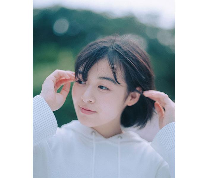 森七菜、新曲「深海」MVが本日YouTubeプレミア公開