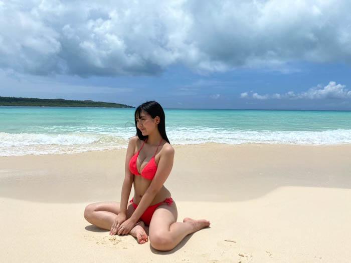 豊田ルナ、砂浜で健康美ボディ炸裂!「ユナ隊員とのギャップも良い」