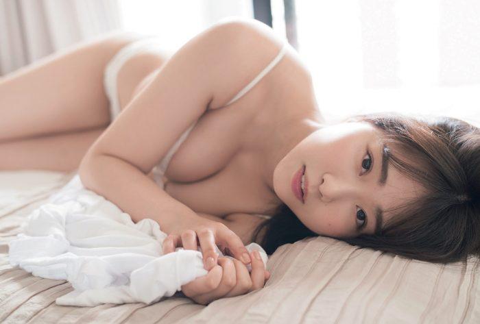 NMB48 加藤夕夏、「blt graph.」でうっとりメリハリ美ボディ披露
