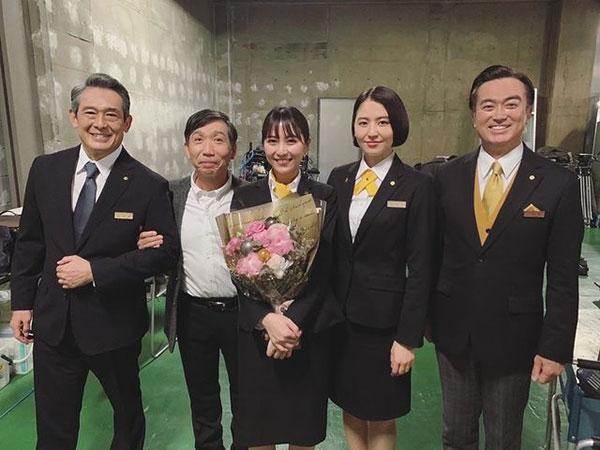 石川恋、長澤まさみとの宝物のような『マスカレード・ナイト』オフショット公開