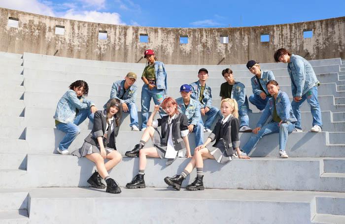 AKB48がプロダンスチームと『どえらいダンス』をコラボ<『根も葉もRumor』>