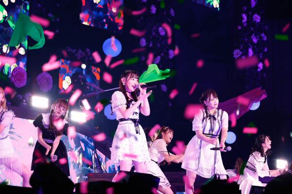 =LOVE、デビュー4周年を記念コンサートを幕張メッセ イベントホールで開催