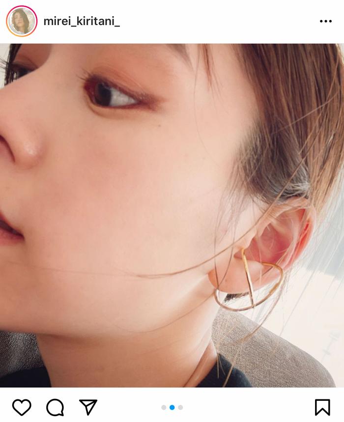 桐谷美玲、どアップ自撮りショットが「毛穴がない」「肌綺麗すぎます」と話題に!